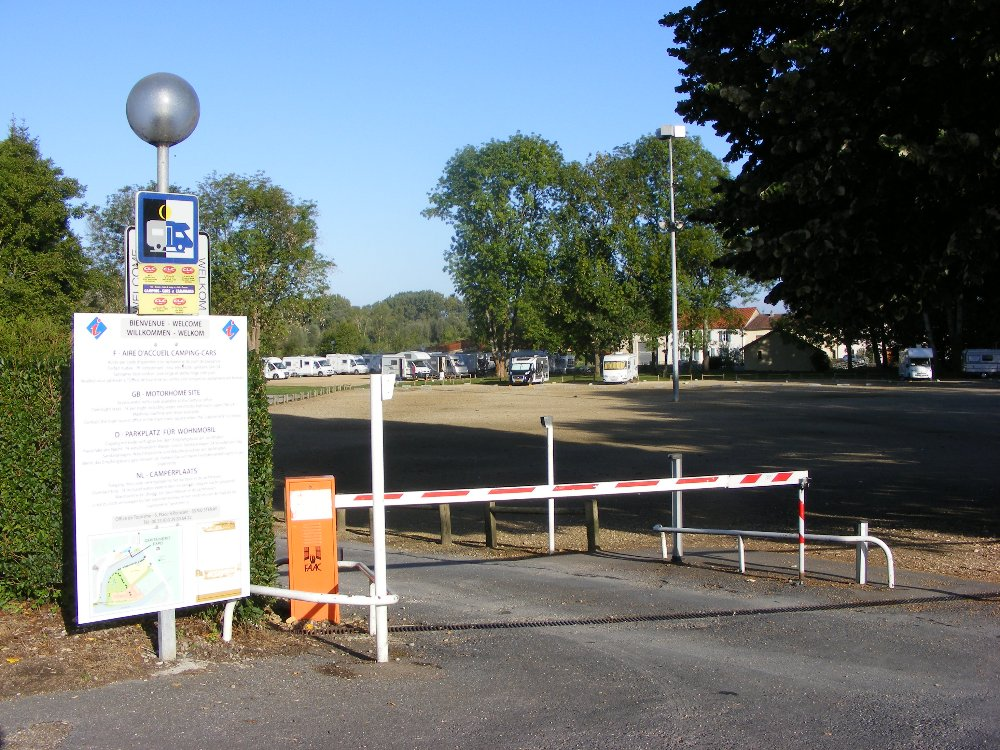 Aire camping-car à Stenay (55700) - Photo 2